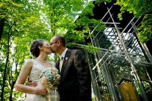 thorncrown wedding in eureka springs
