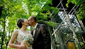 auspicious weddings in eureka springs