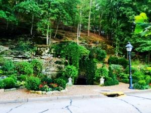 eureka springs spring trail