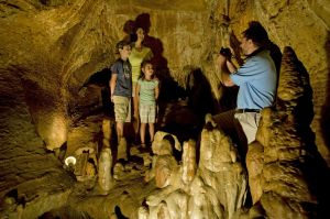 Cosmic_Caverns_Cave_Berryville_ACH_4894