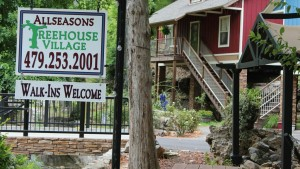 tree-house-sign-ext-1024x578